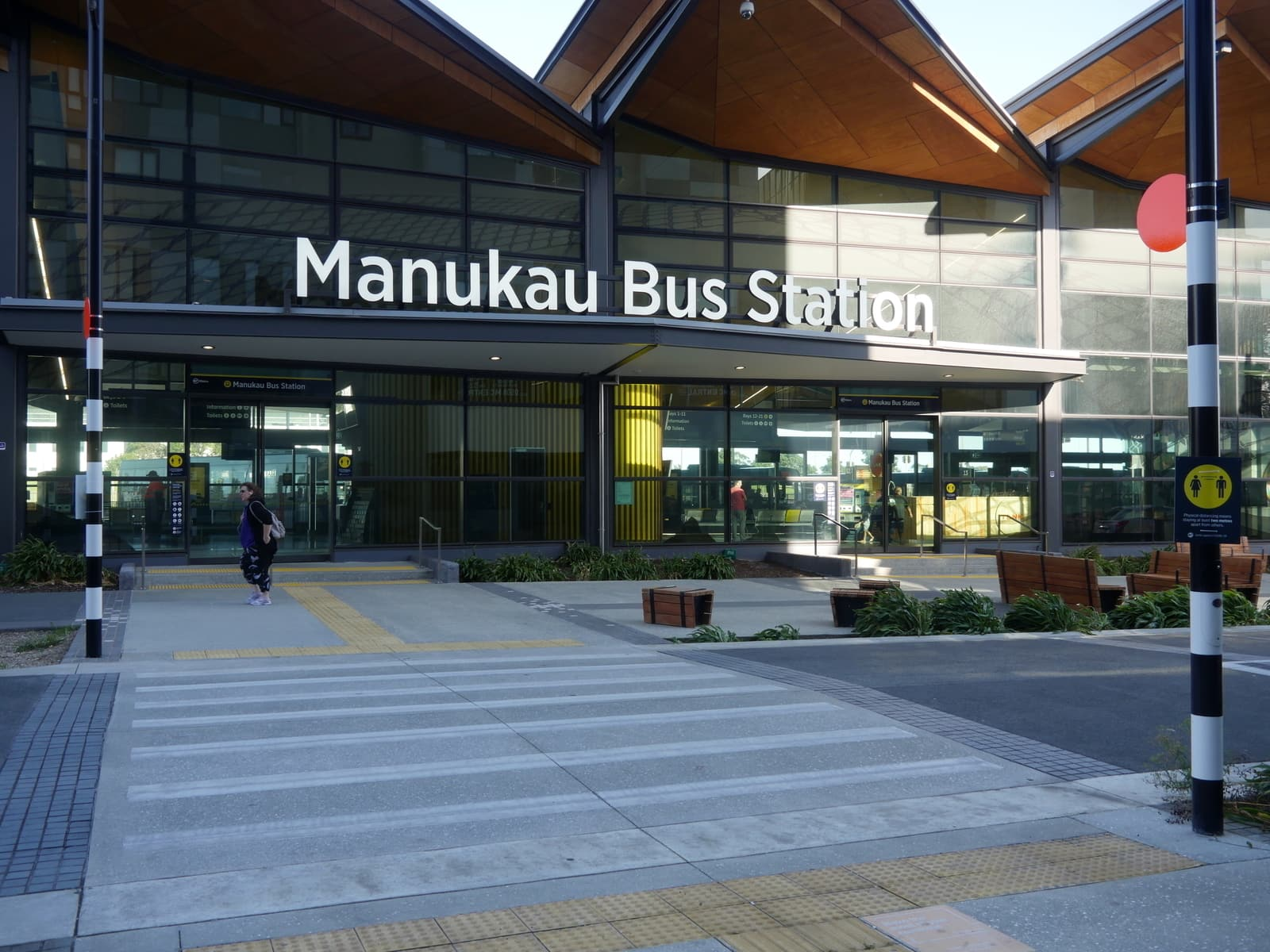 phone charging stations near me iphone smartphone auckland & wellington